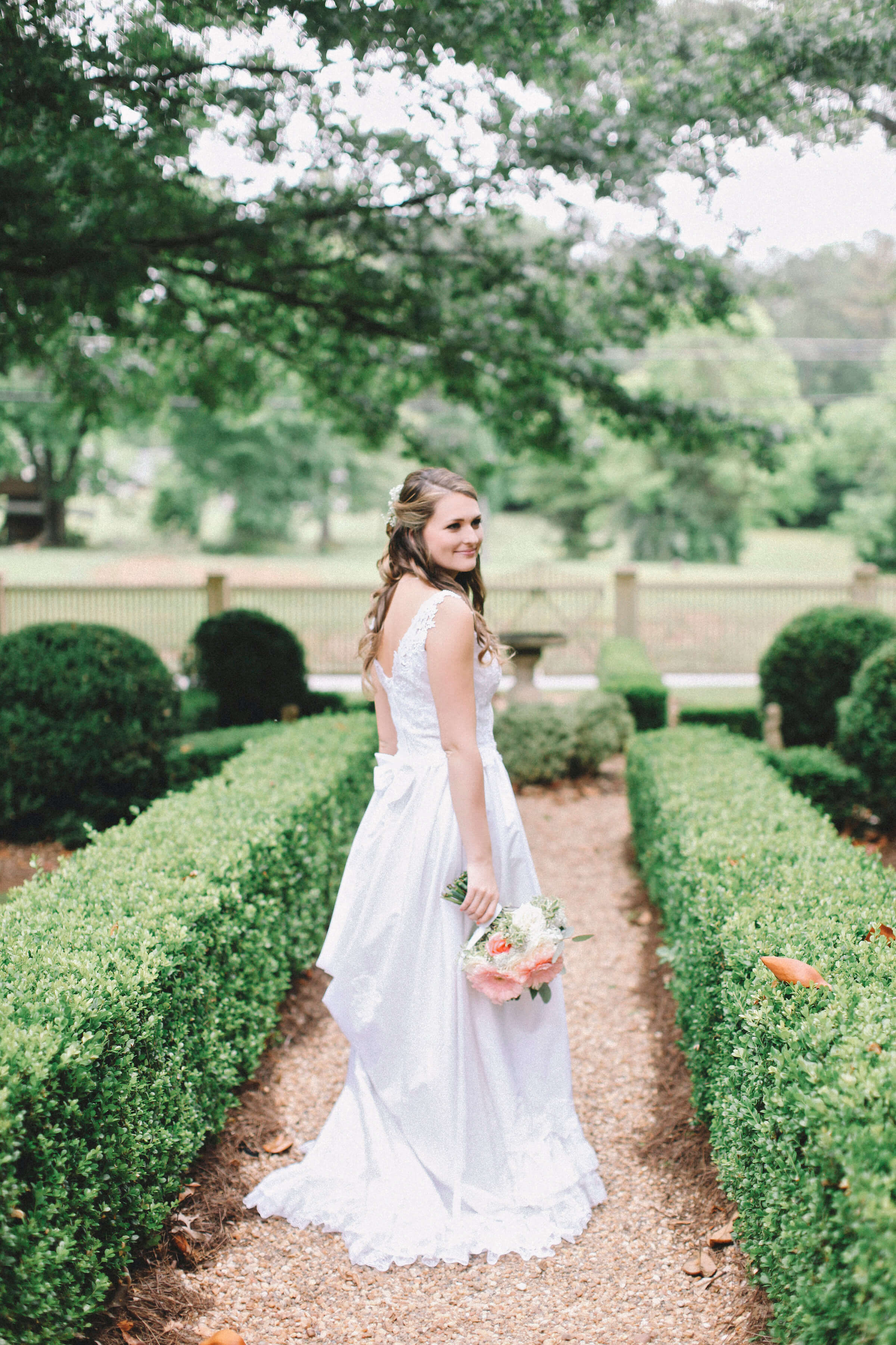 Savannah and Will Wedding. Flowers by Kelly Hillis, The Perfect Posey.  Photos by A. Thomas Photography
