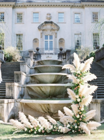 Amazing fountain and floral arrangement - Swan House Wedding at Atlanta History Center. Flowers by The Perfect Posey. Sarah Sunstrom Photography