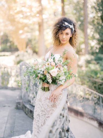 Bridal Photos Swan House Wedding at Atlanta History Center. Flowers by The Perfect Posey. Sarah Sunstrom Photography