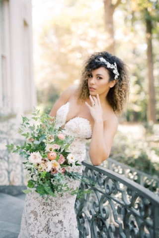 Beautiful Bride Swan House Wedding at Atlanta History Center. Flowers by The Perfect Posey. Sarah Sunstrom Photography